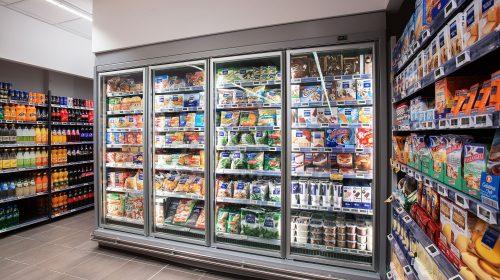 Vessazioni al supermercato, ex colonnello finisce a giudizio