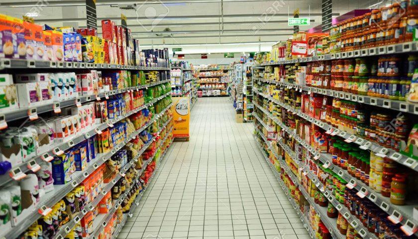 Minacce ai dipendenti del supermercato, a giudizio colonnello e collaboratori