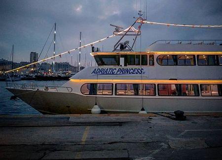 Luci d'artista con la Princess Adriatic per le escursioni nel Golfo di Salerno