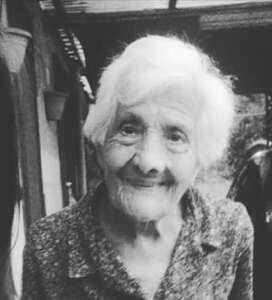 Pellezzano in festa per la nonnina centenaria Maria Galdi
