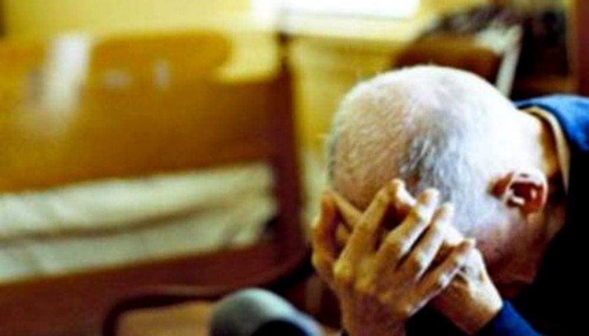 Botte ai genitori e distrugge casa, Tso per un 48enne di Battipaglia