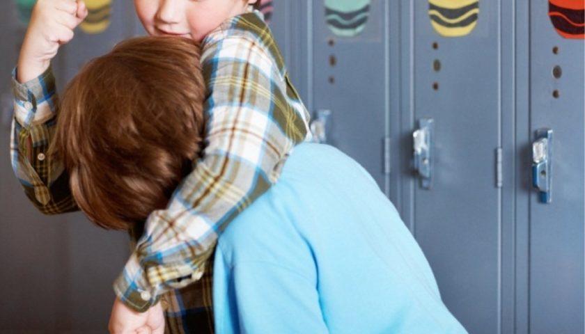 Bullismo in una scuola di Cava de' Tirreni, tre giovanissimi nei guai