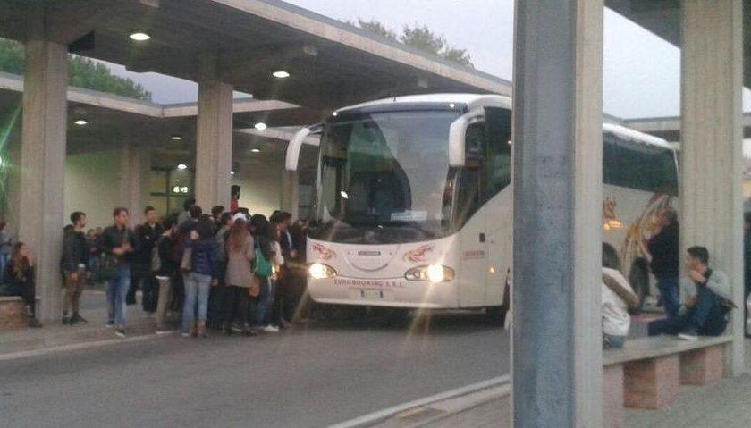 Trasporti, la Regione autorizza nuove corse di bus per collegare Eboli all'Università di Salerno