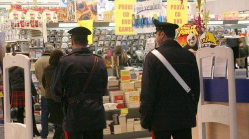 Lagonegro, anziano in difficoltà economiche ruba alimenti da un supermercato: i carabinieri gli pagano il conto