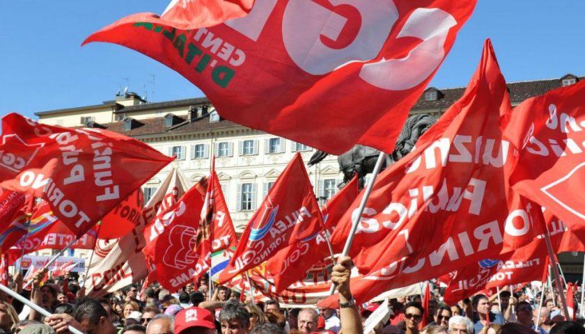"""Donna salernitana licenziata perchè iscritta alla Cgil, il sindacato: """"Andremo fino in fondo"""""""