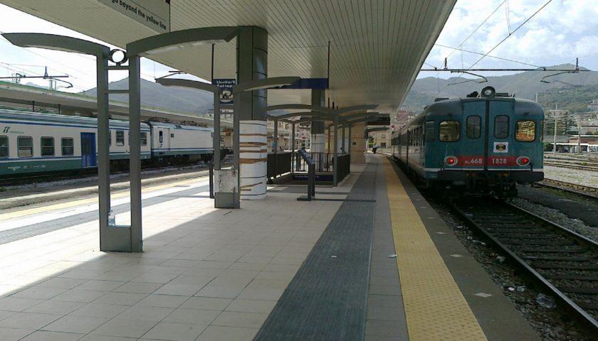 Sciopero dei treni previsto per lunedì in Campania, giornata di disagi