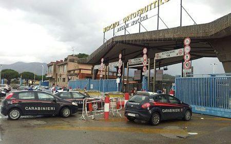 Incendio al mercato ortofrutticolo di Nocera/Pagani, indagano i carabinieri