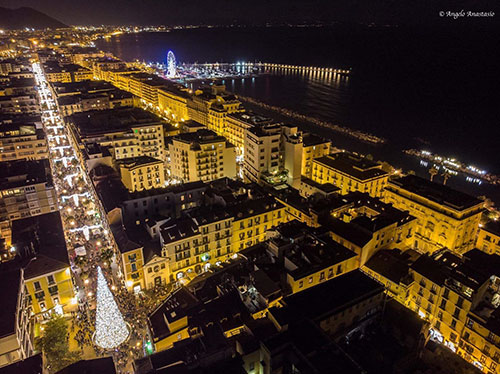 Salerno, le Luci e l'albero di Natale: le spettacolari foto dall'alto