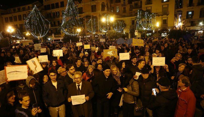 Sardine in piazza a Salerno: 3500 per gli organizzatori, 1000 per la questura
