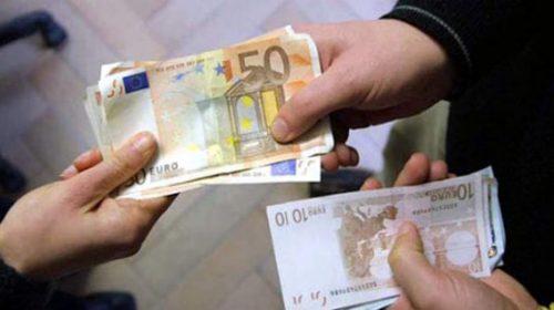 Accusano l'amministratore di aver sottratto 50mila euro ai condomini, falso: coppia nei guai per calunnia