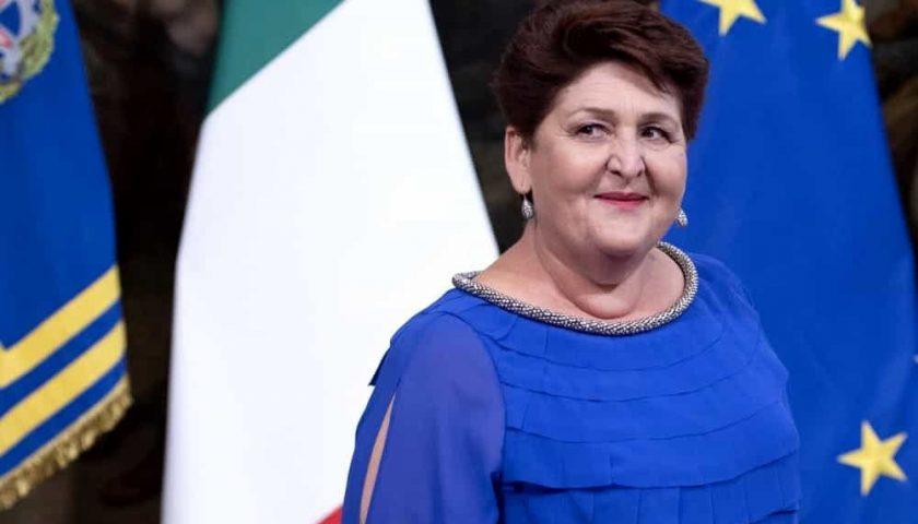 """Il ministro Bellanova a Cetara: """"Ci sono i soldi per i pescatori costretti al fermo pesca"""""""