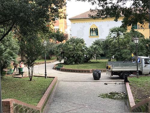 Ripulita Villa Carrara dopo le segnalazioni dei cittadini