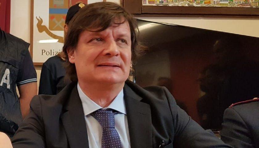 """""""Corruzione con il metodo mafioso"""": la Procura di Salerno indaga sul procuratore aggiunto di Catanzaro"""