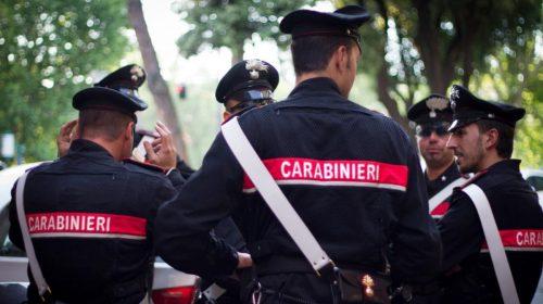 Minaccia carabinieri sul lungomare, poi scappa: nigeriano fermato ed espulso