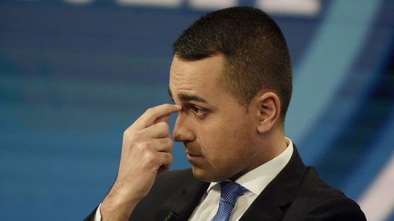 """M5s, Di Maio annuncia ai ministri le sue dimissioni. Conte: """"Rispetterò la sua scelta"""""""