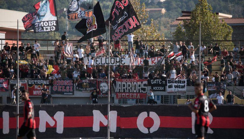Nei bus con bombe carte e catene, pugno di ferro della Questura di Taranto: emessi 67 Daspo contro i tifosi della Nocerina