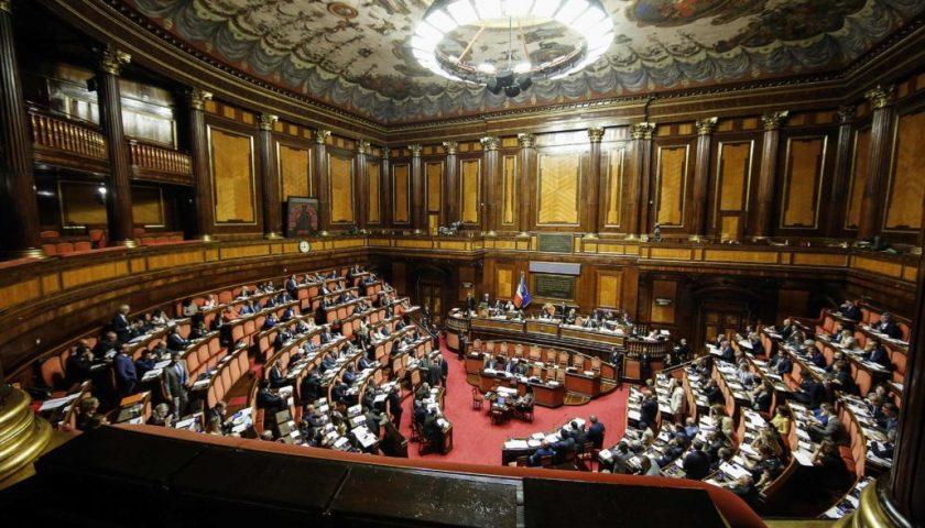 Parlamentari salernitani, Castiello (5 Stelle) il più ricco. Cirielli al secondo posto. De Luca jr (Pd) passa dai 1445 euro del 2018 ai 78mila attuali. Ferraioli (Fi) in perdita