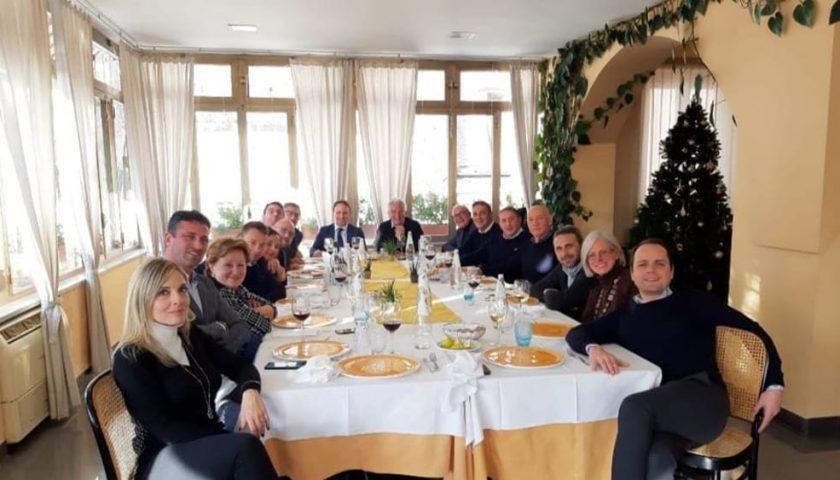 Pranzo con De Luca junior e Napoli, 8 consiglieri presenti e tante assenze