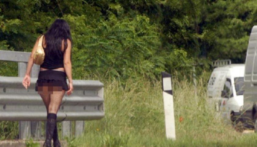 Prostituzione a Salerno: sette lucciole multate e 3 daspate