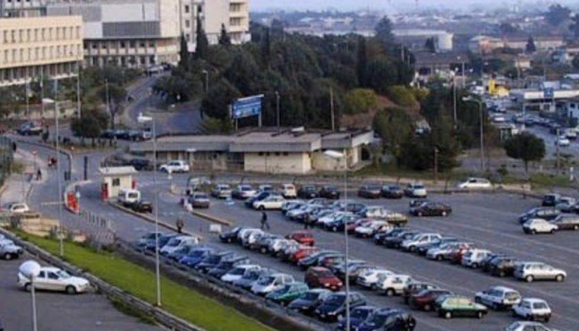 Cento nuovi posti auto per l'ospedale Ruggi di Salerno