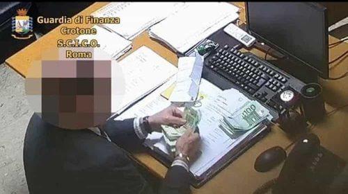 """Magistrato arrestato dalla Dda di Salerno: """"Quei soldi erano solo un prestito"""""""