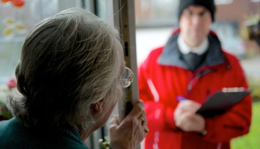 Ancora truffe ad anziani, ad Angri donna raggirata da un finto corriere