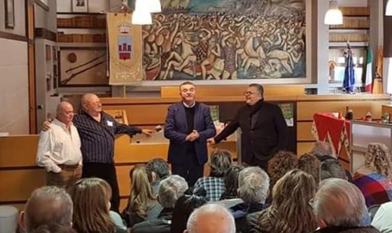 Agropoli, brindisi di fine anno con i dipendenti del Municipio: è polemica per la presenza dell'ex sindaco Alfieri