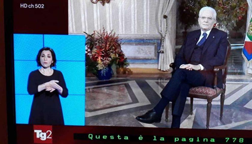 La salernitana Antonella Bertone, interprete in tv per il presidente: «Così ho tradotto Mattarella per i non udenti»