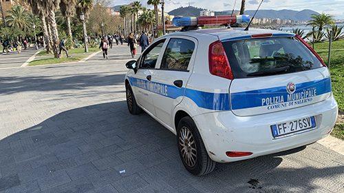 Salerno: ombrelloni, manufatti e lettini abusivi nei pressi del Polo Nautico: multa e sequestro