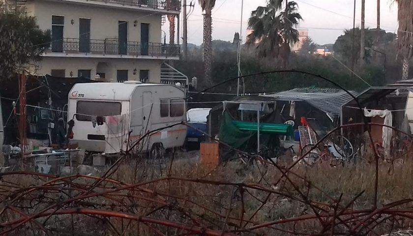 Sgomberato a Licinella di Capaccio un campo abusivo: proprietario prendeva l'affitto dagli extracomunitari. Denunciato