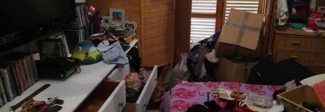 Ladri in azione nella casa abitata, mamma e due figlie non si accorgono del raid