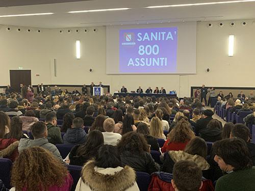 """Sanità in Campania, assunti 800 infermieri. Il Governatore De Luca: """"Giornata bellissima"""""""