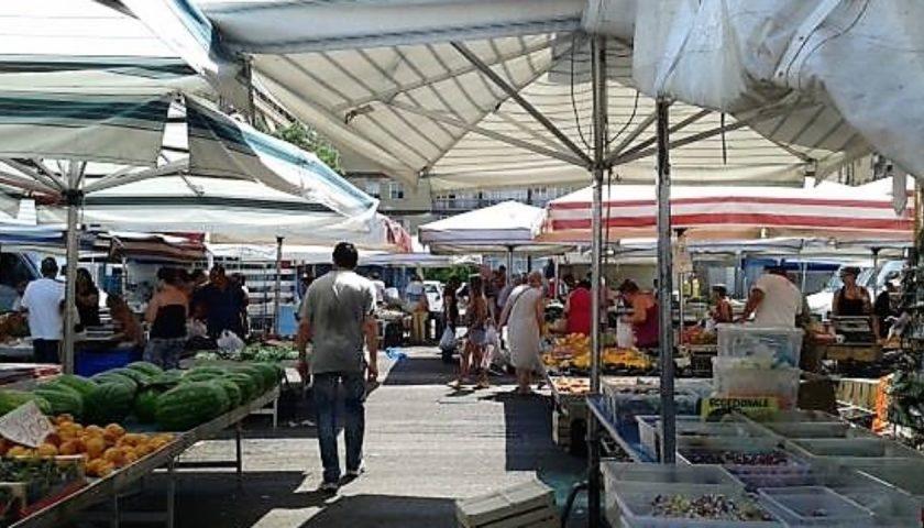 Nuovo mercatino di via Piave a Salerno, lavori al via da domani con il sindaco e il governatore