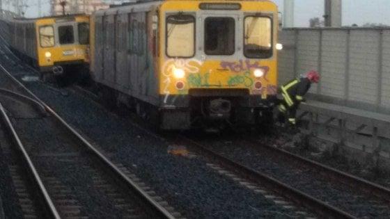 Metropolitana di Napoli, incidente a Piscinola: scontro tra treni, paura tra i viaggiatori