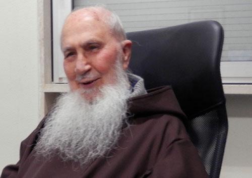 Muore padre Candido, per 65 anni è stato cappellano dell'ospedale di Salerno
