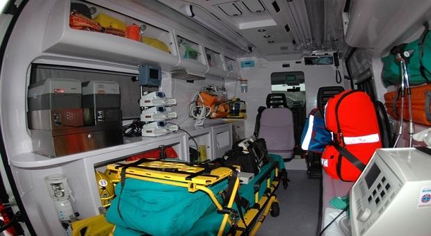 Ossigeno taroccato su ambulanze del 118, sequestrate bombole