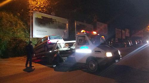 Auto in sosta senza assicurazioni a Pellezzano, scatta il blitz dei vigili urbani: multe rimozioni