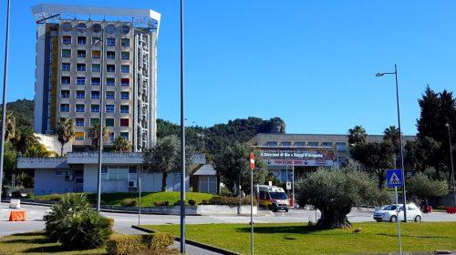 Emergenza covid, il Ruggi paga la premialità al personale medico infermieristico
