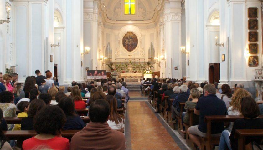 Panico durante la Santa Messa a San Domenico: topo entra in Chiesa mentre i fedeli erano in fila per la comunione