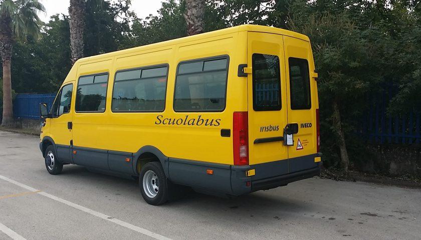 Mercato San Severino, rubato lo scuolabus comunale: alunni a piedi e amministrazione indignata