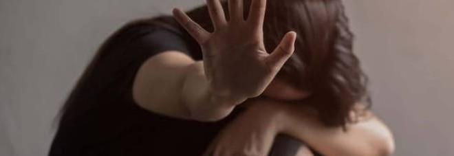 Segregata in casa e costretta a spacciare dal convivente: 25enne salvata dalla madre