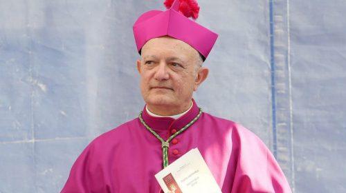 Importante iniziativa dell'Arcivescovo Bellandi per il Venerdì Santo, benedizione della città con la Sacra reliquia della Spina Santa