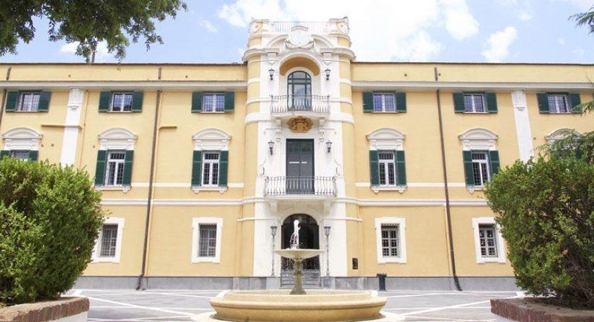 Il monumento del senatore Luigi Angrisani è contraffatto, maxi risarcimento a un artigiano di San Gregorio Armeno