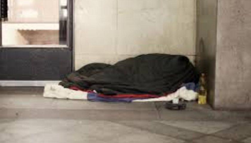 Salerno, senza tetto ucciso dal freddo durante la notte