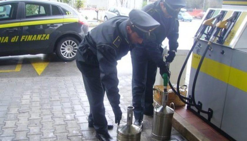 Sequestro di 46mila litri di carburante a Polla, nei guai imprenditore e trasportatore