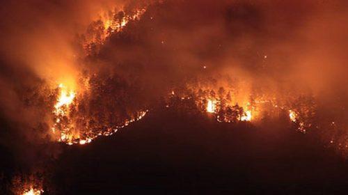Troppi incendi, Sarno chiede lo stato di emergenza