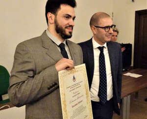 Montecorvino Rovella premia il concittadino Domenico Benvenuto che ha ricostruito la struttura del coronavirus