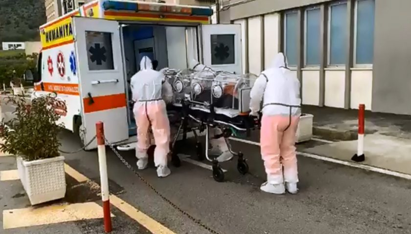 Video sul caso sospetto di coronavirus al Ruggi, ora il 42enne di Postiglione denuncia la diffusione del filmato