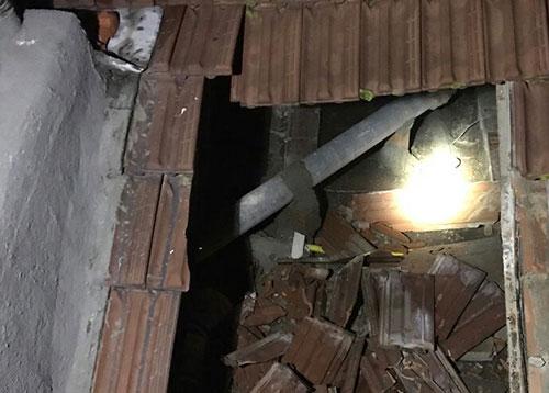 Cava de' Tirreni, crolla il solaio di un edificio nei pressi del liceo Genoino