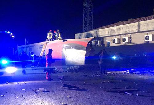 Deraglia Frecciarossa Milano-Salerno: due morti, caos sulla rete ferroviaria